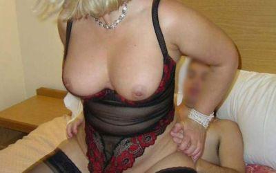 Isabelle blonde mature chaude
